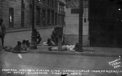 Federal mexican firing line corner-calle independencia at hotel Diligencias